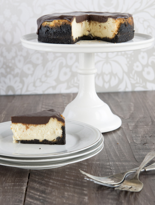 Vanilla Cheesecake with slice